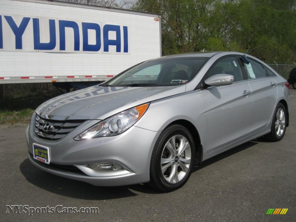 2011 hyundai sonata limited in radiant silver 132594. Black Bedroom Furniture Sets. Home Design Ideas