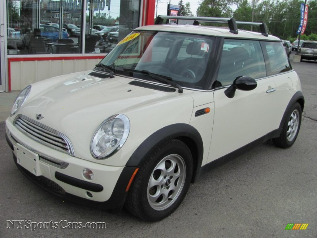 2004 mini cooper hardtop in pepper white j56097 cars for sale in new york. Black Bedroom Furniture Sets. Home Design Ideas
