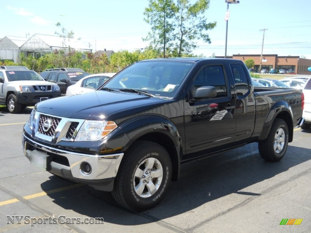 Super black graphite nissan frontier se v6 king cab 4x4