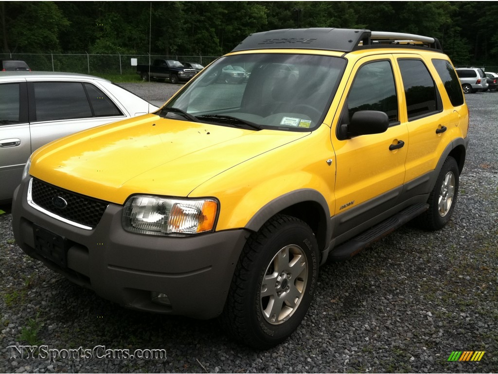 2002 Ford Escape XLT V6 4WD in Chrome Yellow D24141