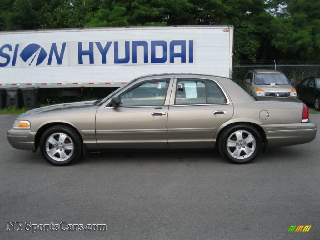 Ford Crown Victoria LX In Arizona Beige Metallic Photo - 2004 crown victoria