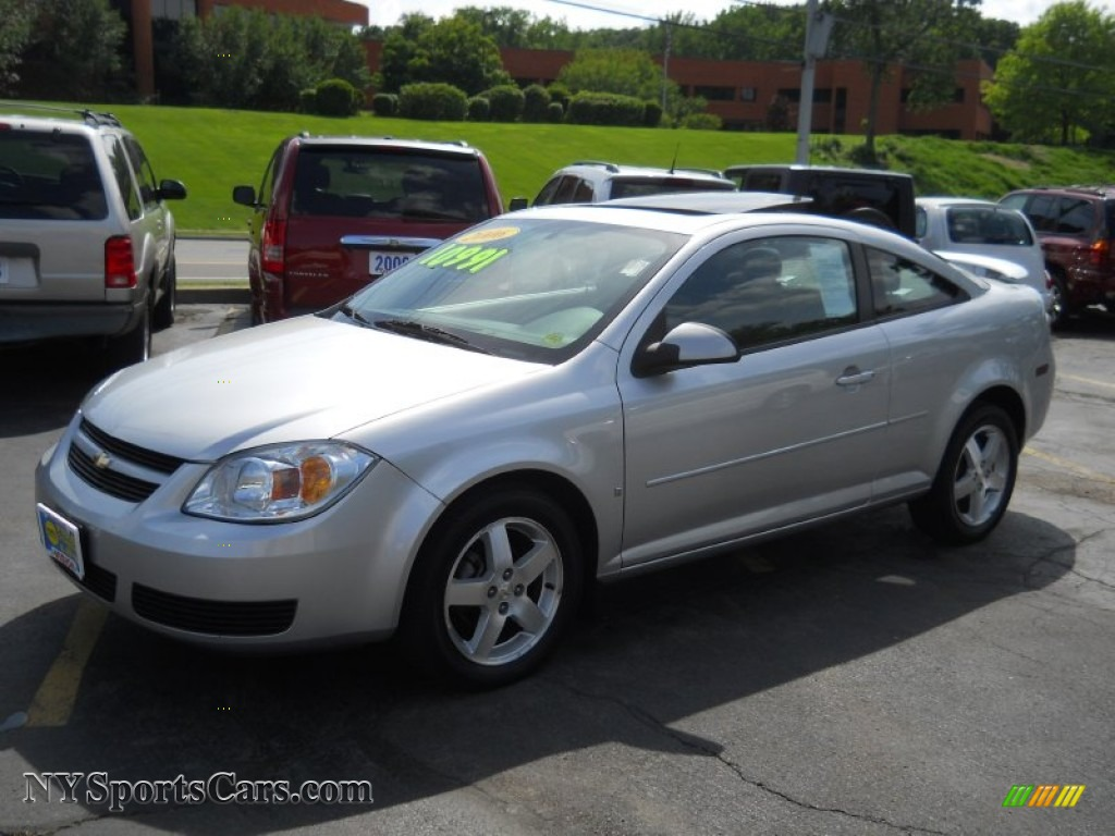 2006 Chevrolet Cobalt LT Coupe in Ultra Silver Metallic  697889