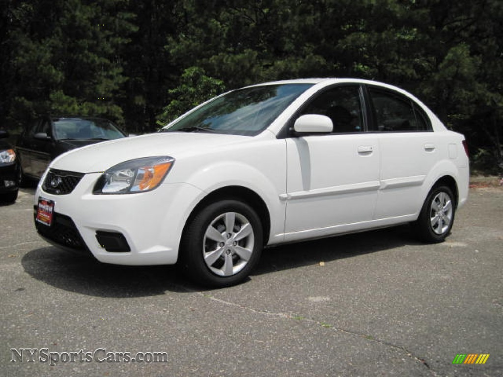 2010 kia rio lx sedan in clear white 597720 cars for sale in new york. Black Bedroom Furniture Sets. Home Design Ideas
