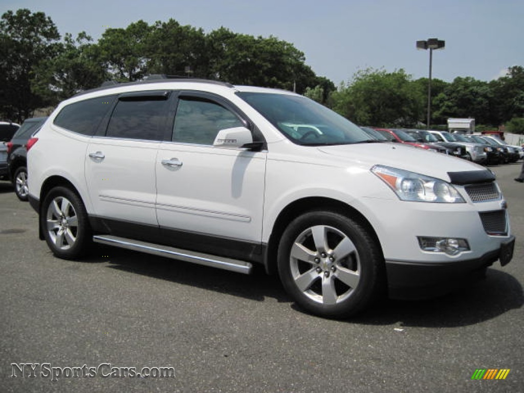 2009 chevrolet traverse ltz awd in summit white photo 4 102468 cars for. Black Bedroom Furniture Sets. Home Design Ideas
