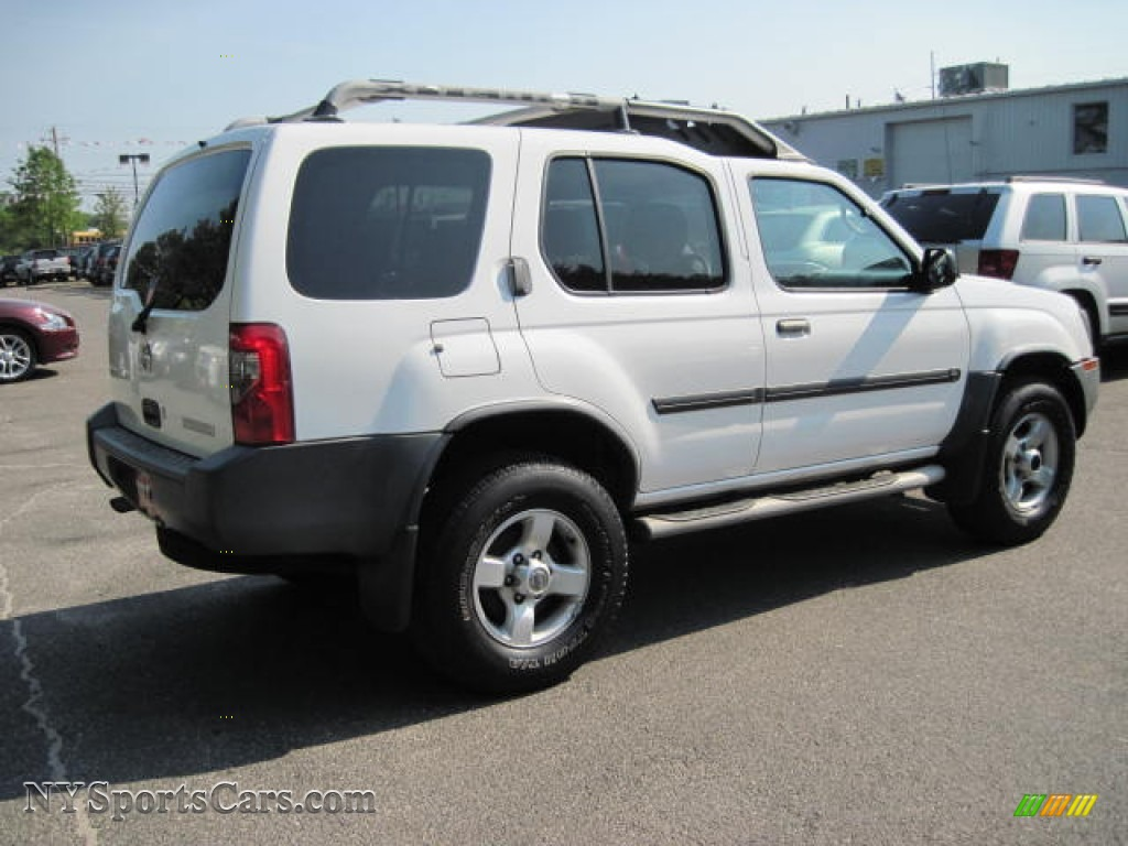 2004 nissan xterra xe 4x4 in avalanche white photo 3. Black Bedroom Furniture Sets. Home Design Ideas