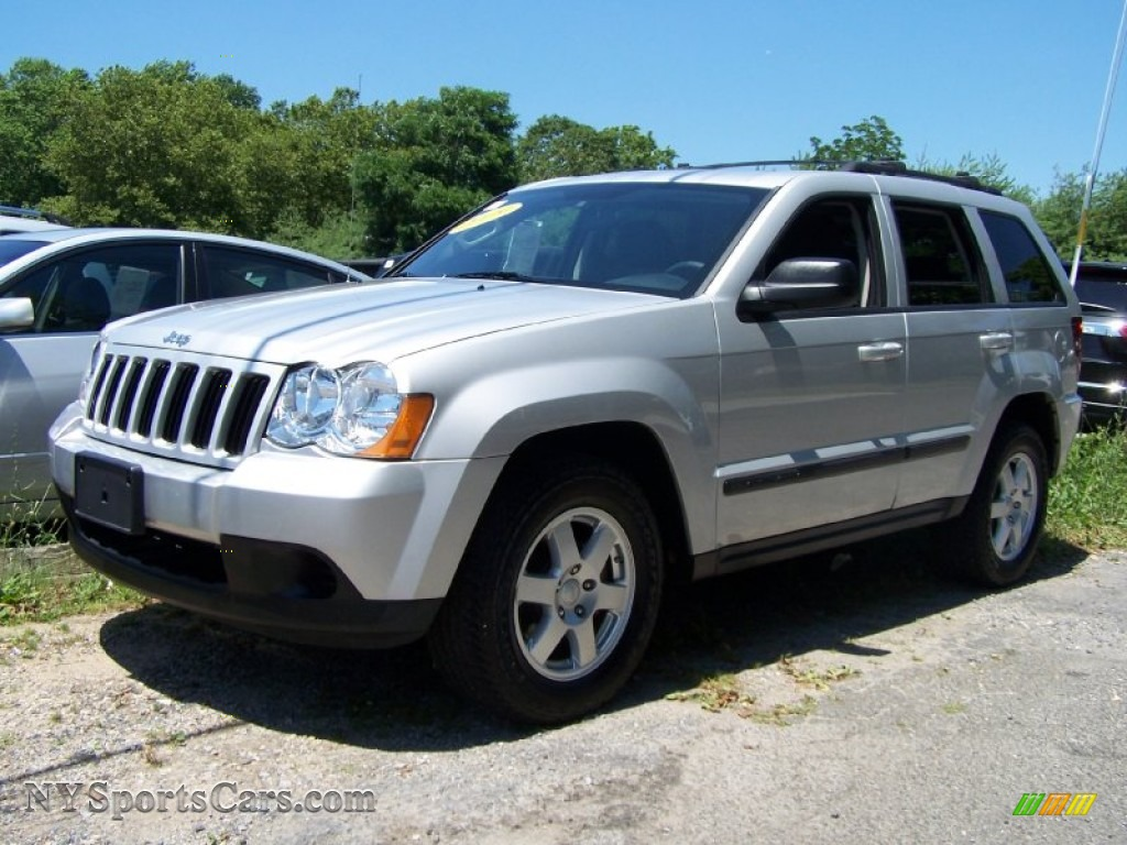 2009 jeep grand cherokee laredo 4x4 in light graystone pearl 543921 cars. Black Bedroom Furniture Sets. Home Design Ideas