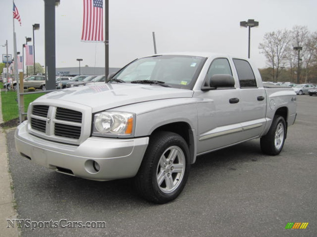 2007 Dodge Dakota Slt Quad Cab 4x4 In Bright Silver