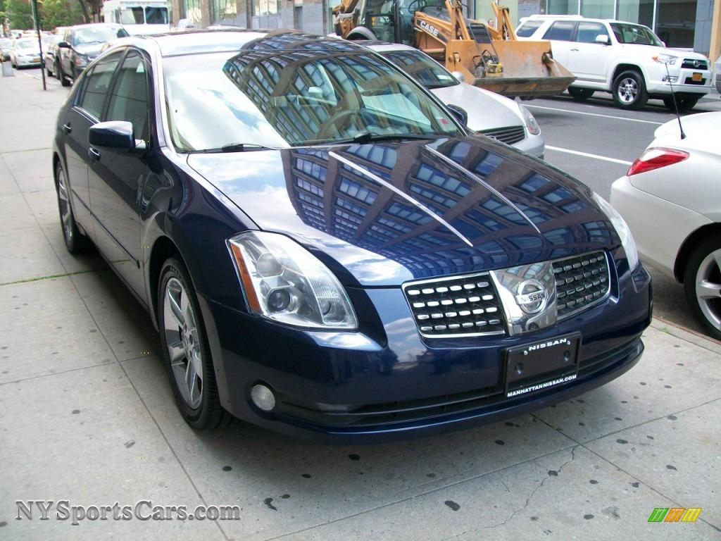 Amazing Majestic Blue Metallic / Frost Nissan Maxima 3.5 SL