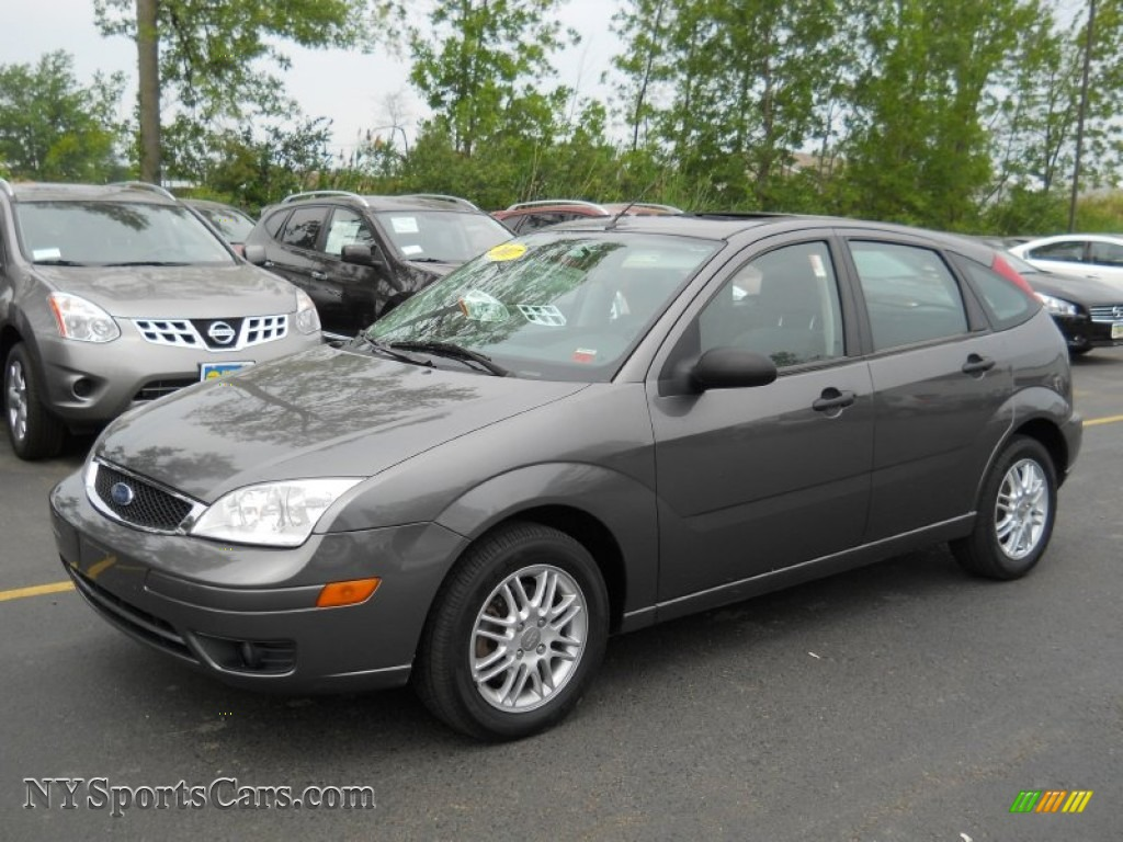 2007 ford focus zx5 se hatchback in liquid grey metallic. Black Bedroom Furniture Sets. Home Design Ideas