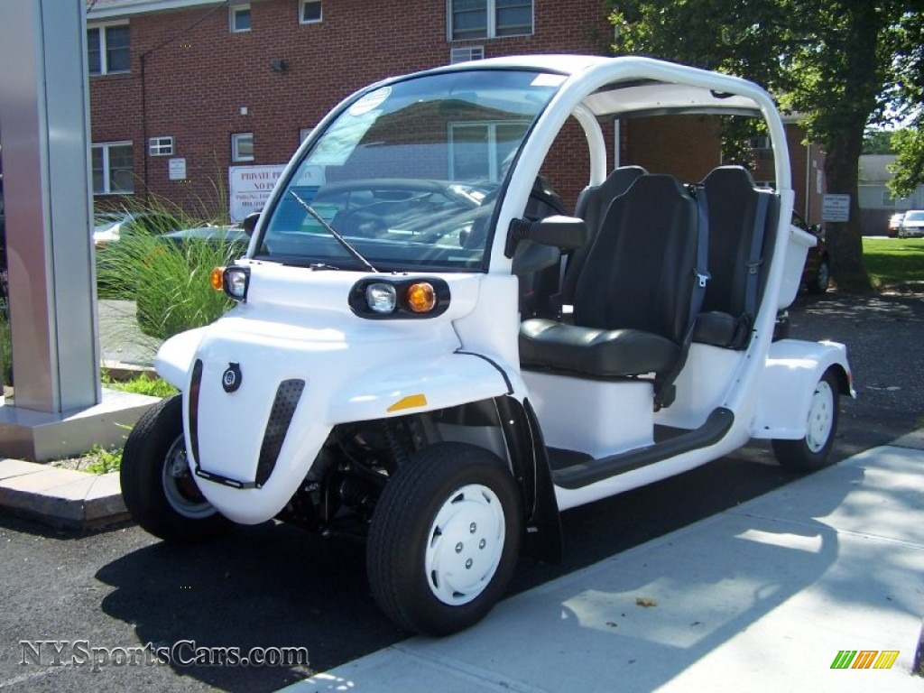 2011 Gem E E4 4 Passenger Electric Car In Crystal White
