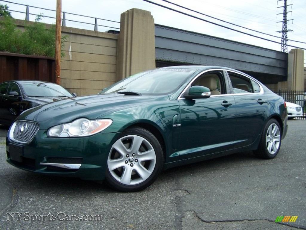 Emerald Fire Metallic / Champagne/Truffle Jaguar XF Luxury