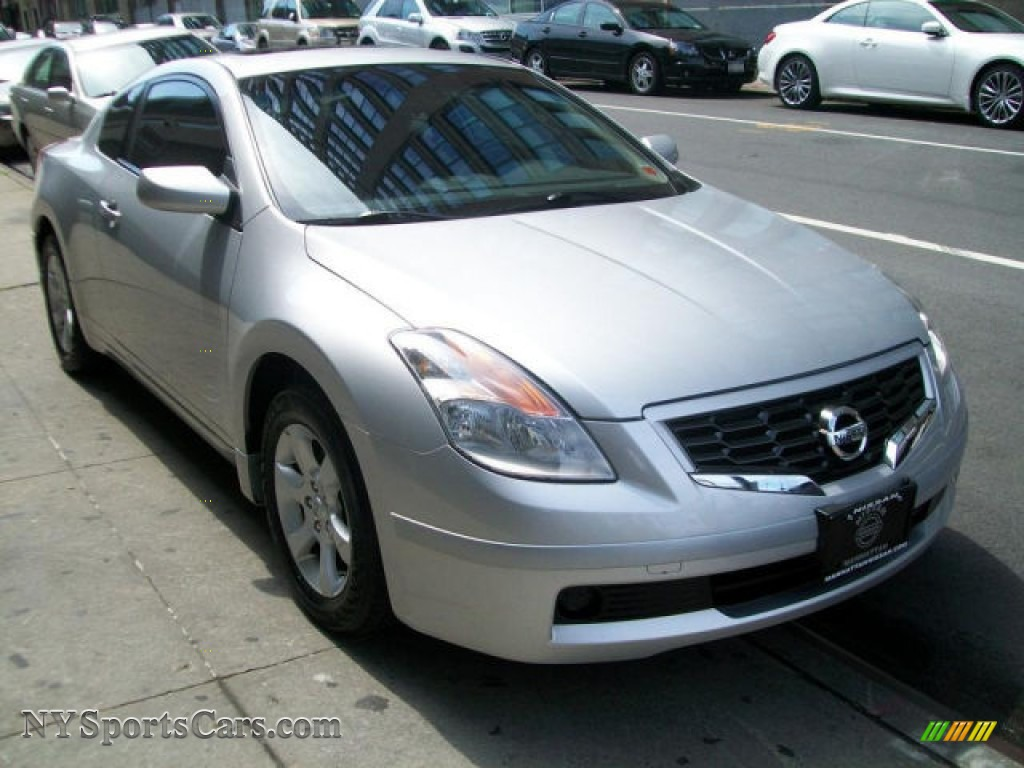 2009 nissan altima 2 5 s coupe in radiant silver metallic 113249 cars for. Black Bedroom Furniture Sets. Home Design Ideas