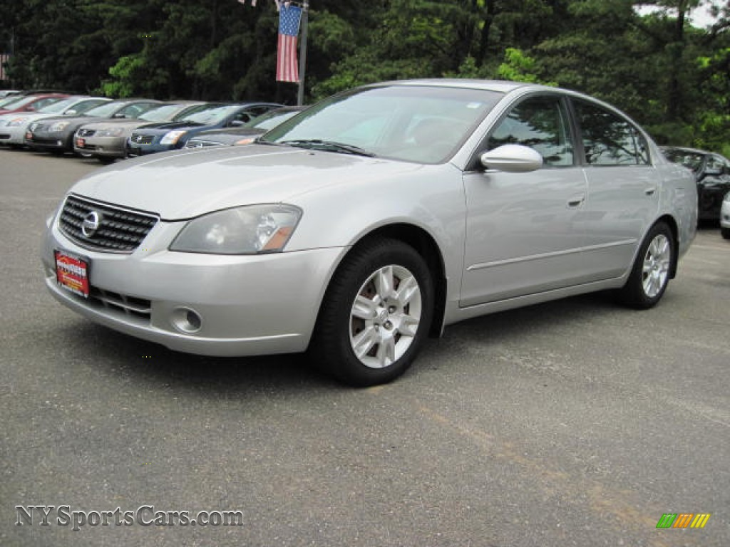 2005 Nissan Altima 2 5 S In Sheer Silver Metallic 239136