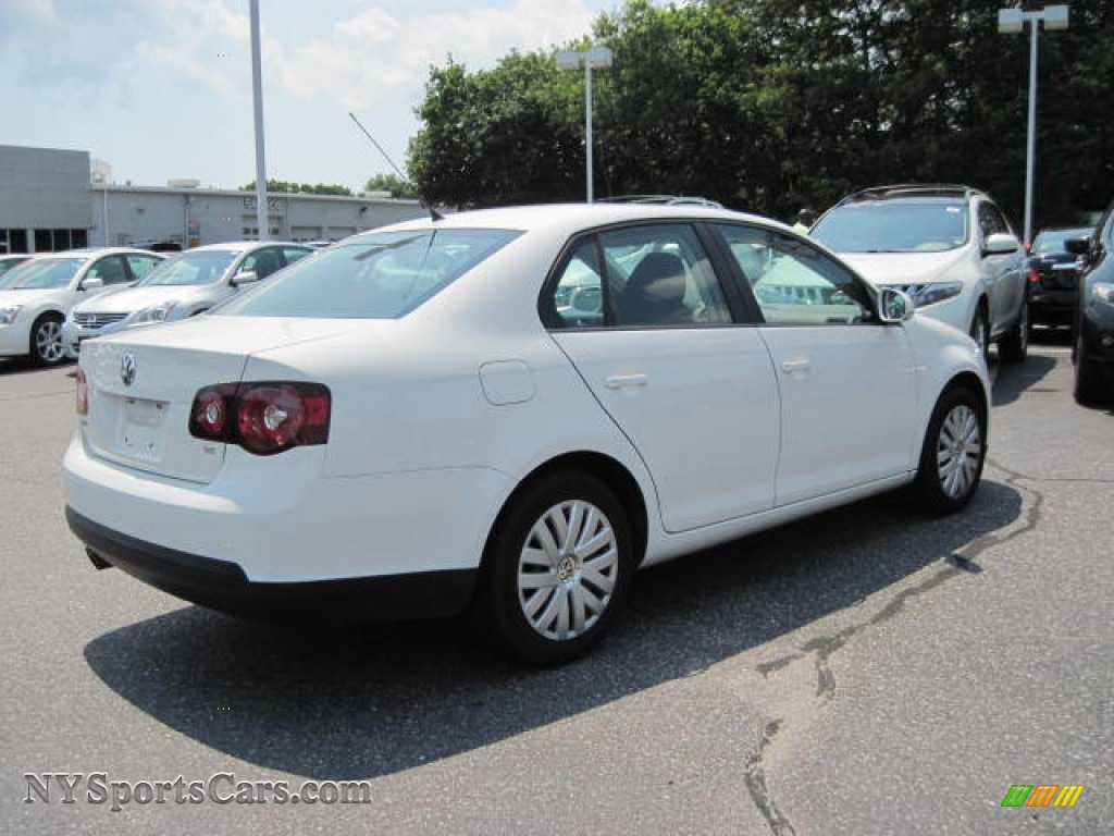 2010 volkswagen jetta s sedan in candy white photo 3 028557 cars for. Black Bedroom Furniture Sets. Home Design Ideas