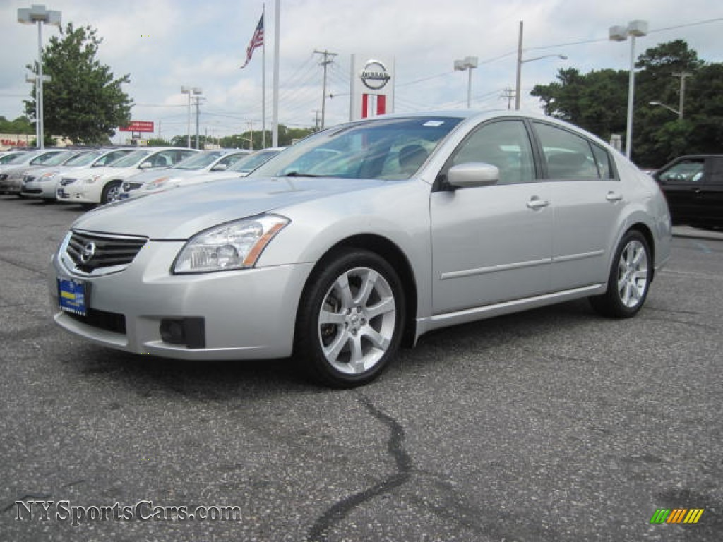 Radiant silver metallic frost nissan maxima 3 5 se
