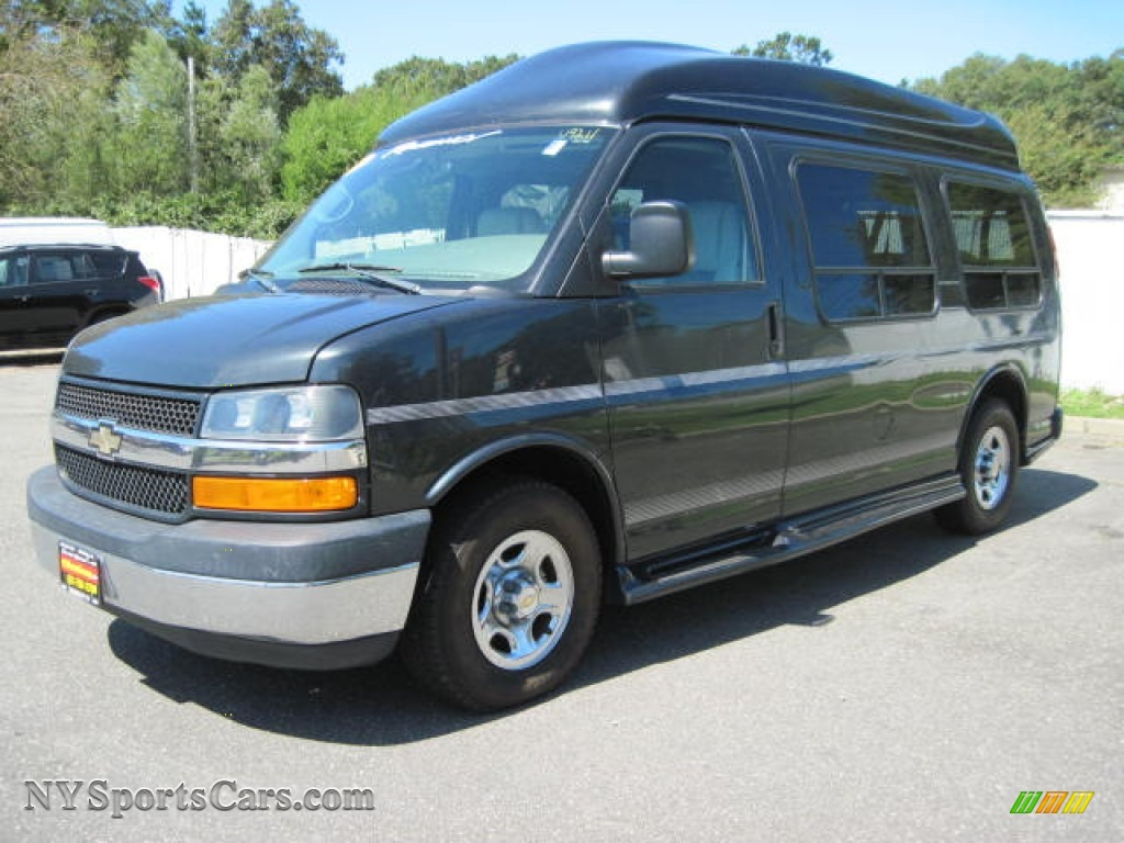 2005 chevrolet express 1500 passenger conversion van in dark gray metallic 227377. Black Bedroom Furniture Sets. Home Design Ideas