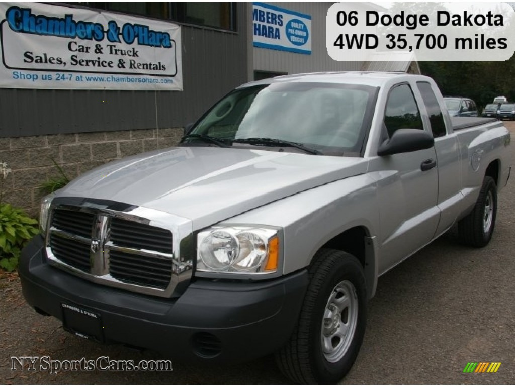 2006 dodge dakota st club cab 4x4 in bright silver. Black Bedroom Furniture Sets. Home Design Ideas