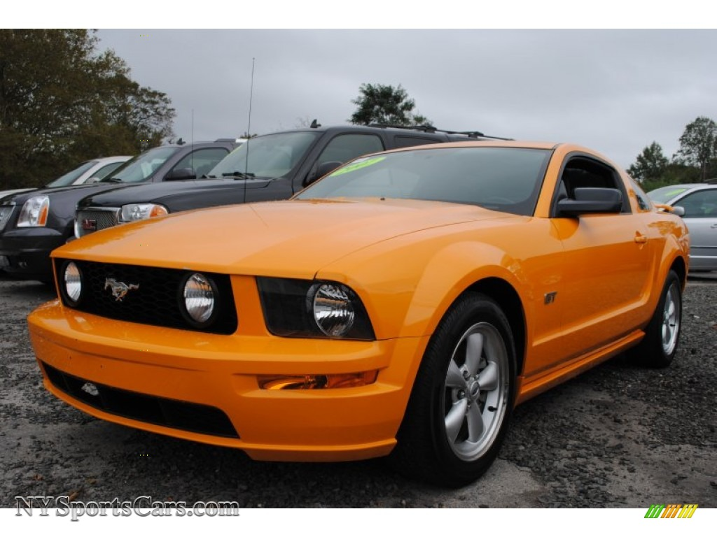 2007 ford mustang gt deluxe coupe in grabber orange 210245 cars for sale. Black Bedroom Furniture Sets. Home Design Ideas