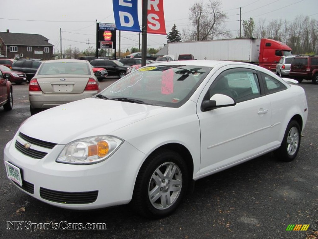 2005 chevrolet cobalt ls coupe in summit white 652702. Black Bedroom Furniture Sets. Home Design Ideas