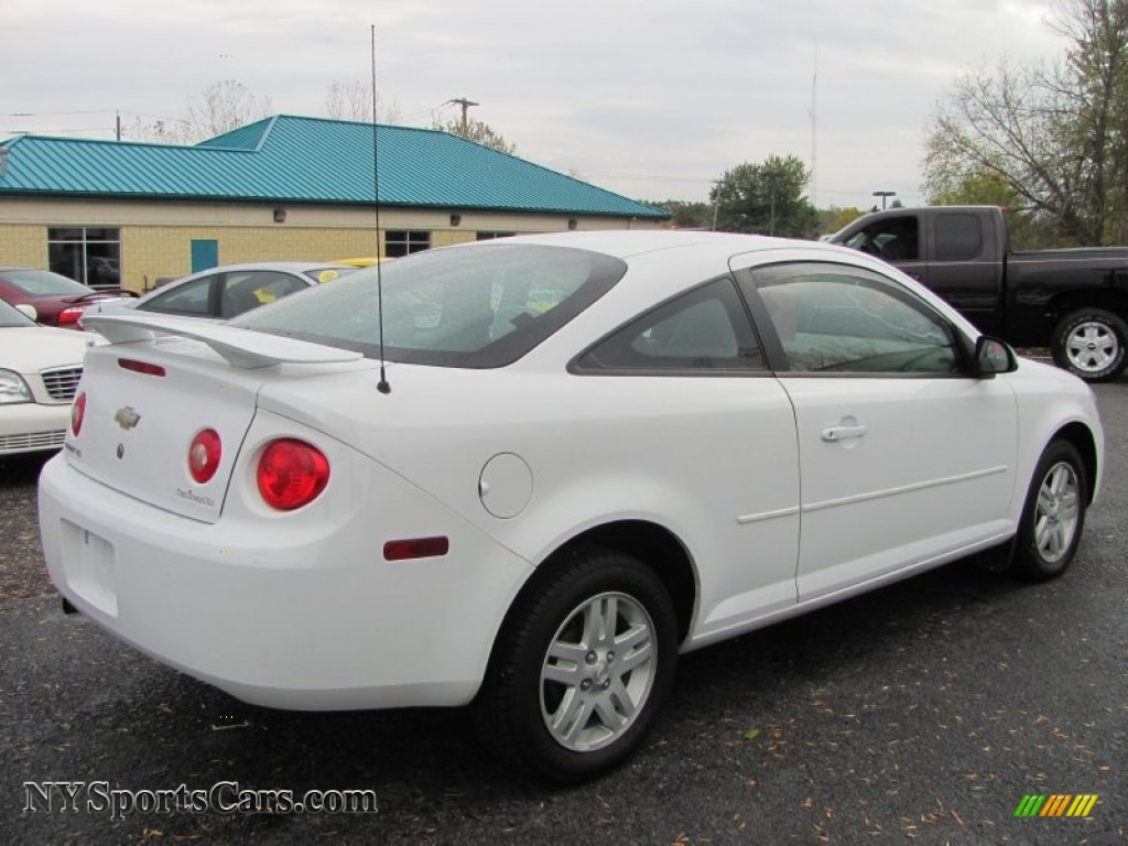 2005 chevrolet cobalt ls coupe in summit white photo 14. Black Bedroom Furniture Sets. Home Design Ideas