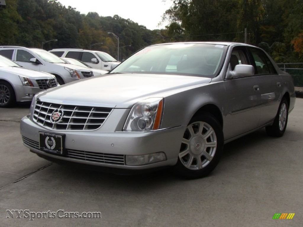 2009 cadillac dts in radiant silver 116758. Black Bedroom Furniture Sets. Home Design Ideas