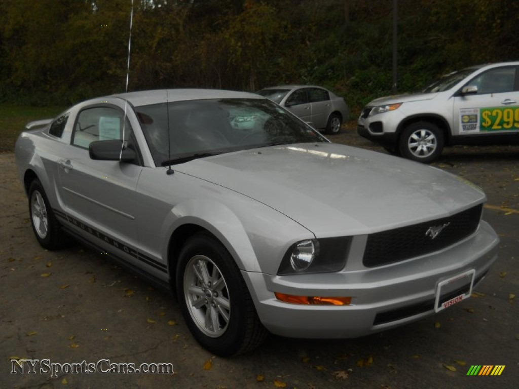 2006 Ford Mustang V6 Premium Coupe In Satin Silver