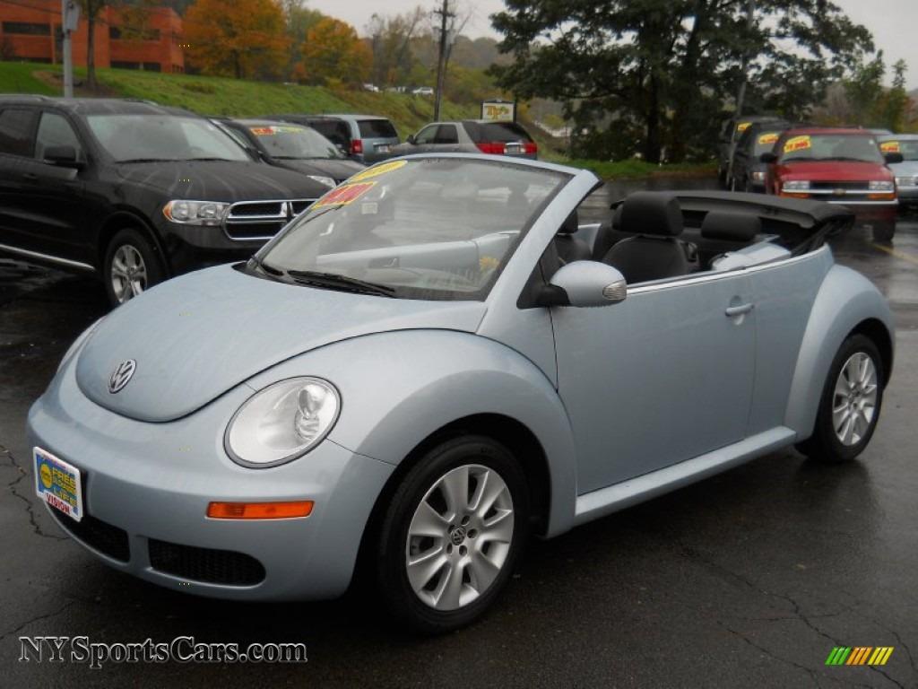 2010 volkswagen new beetle convertible autotradercom autos weblog. Black Bedroom Furniture Sets. Home Design Ideas