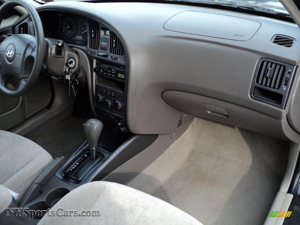 2006 Elantra GLS Sedan   Moonlit Dark Blue / Gray Photo #31