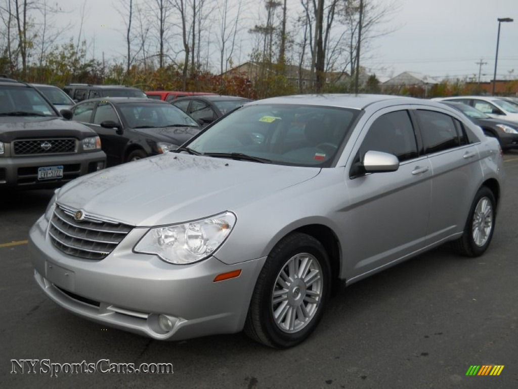 2007 chrysler sebring touring sedan in bright silver. Cars Review. Best American Auto & Cars Review
