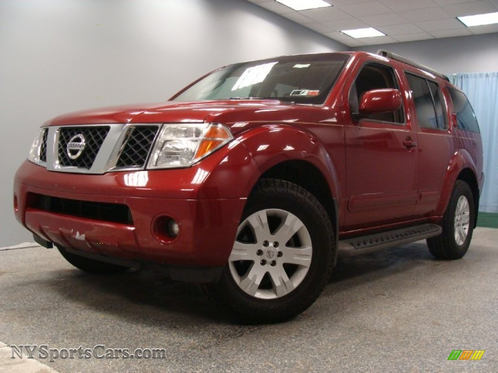 2005 Nissan Pathfinder Le In Red Brawn Pearl 724146