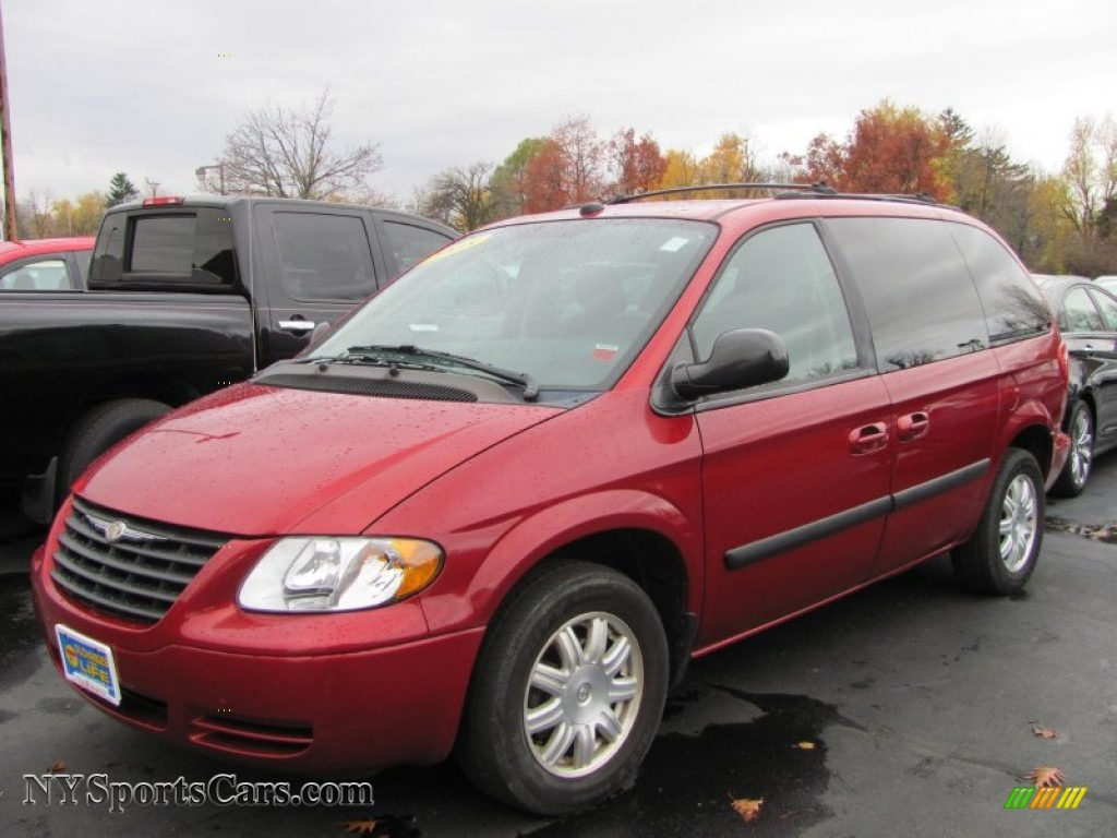 2005 chrysler town country lx in inferno red pearl 356663 cars for sale. Black Bedroom Furniture Sets. Home Design Ideas