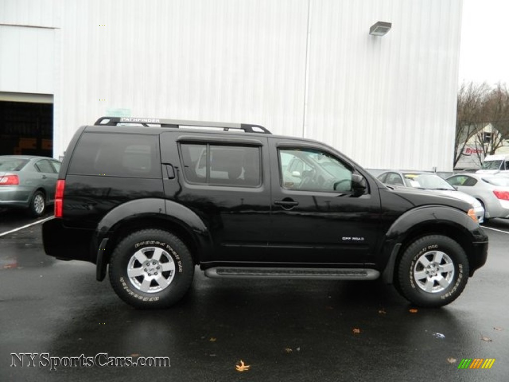 2006 Nissan Pathfinder Se Off Road 4x4 In Super Black Photo 6 605981 Nysportscars Com Cars For Sale In New York