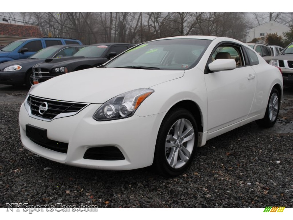 2011 nissan altima 2 5 s coupe in winter frost white. Black Bedroom Furniture Sets. Home Design Ideas
