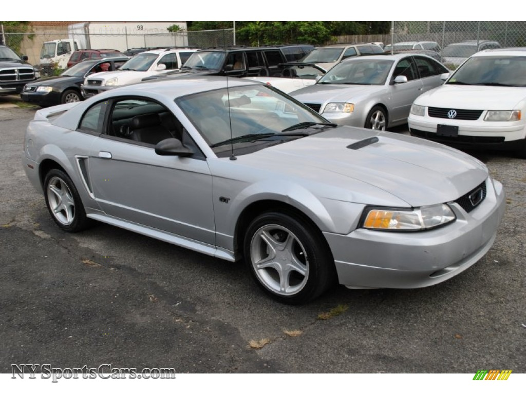 2000 mustang gt coupe silver metallic dark charcoal photo 1