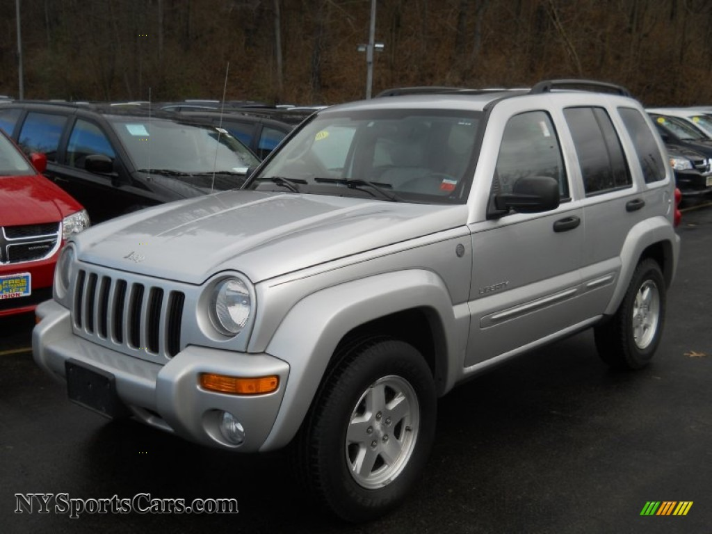 Bright Silver Metallic / Light Taupe/Taupe Jeep Liberty Limited 4x4