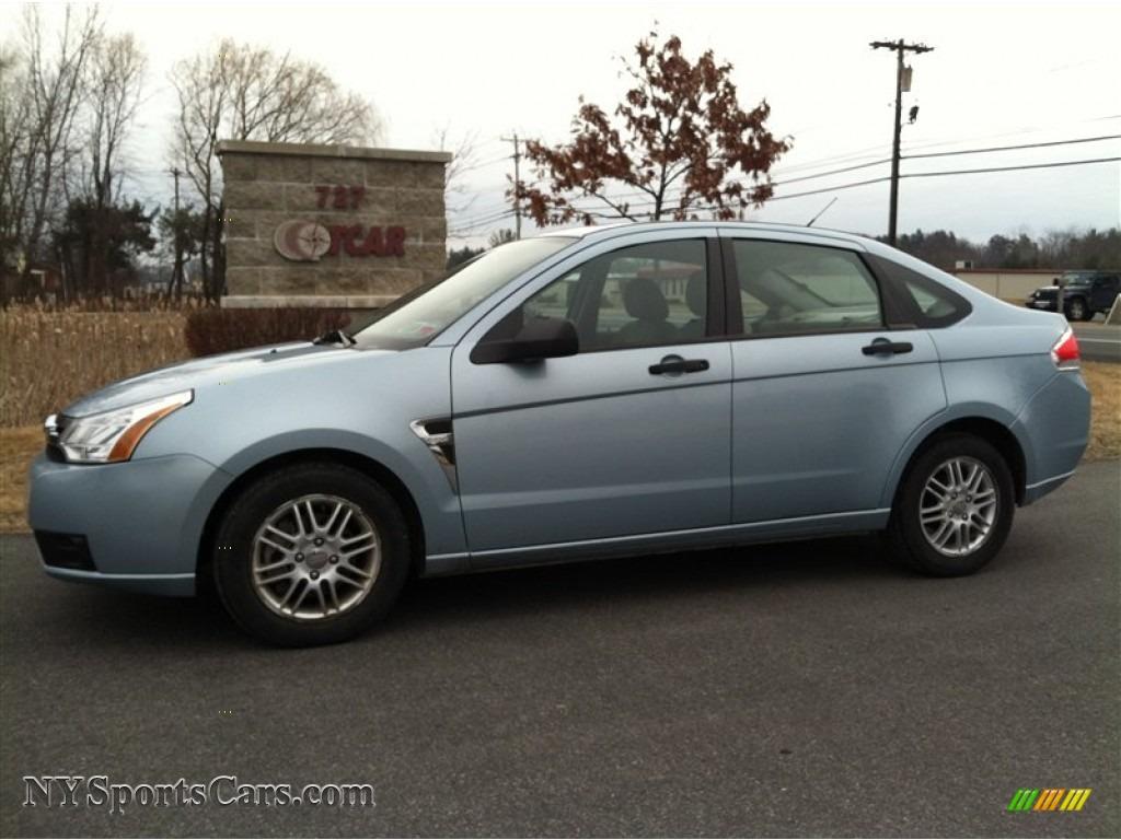 2008 ford focus se sedan in light ice blue metallic. Black Bedroom Furniture Sets. Home Design Ideas