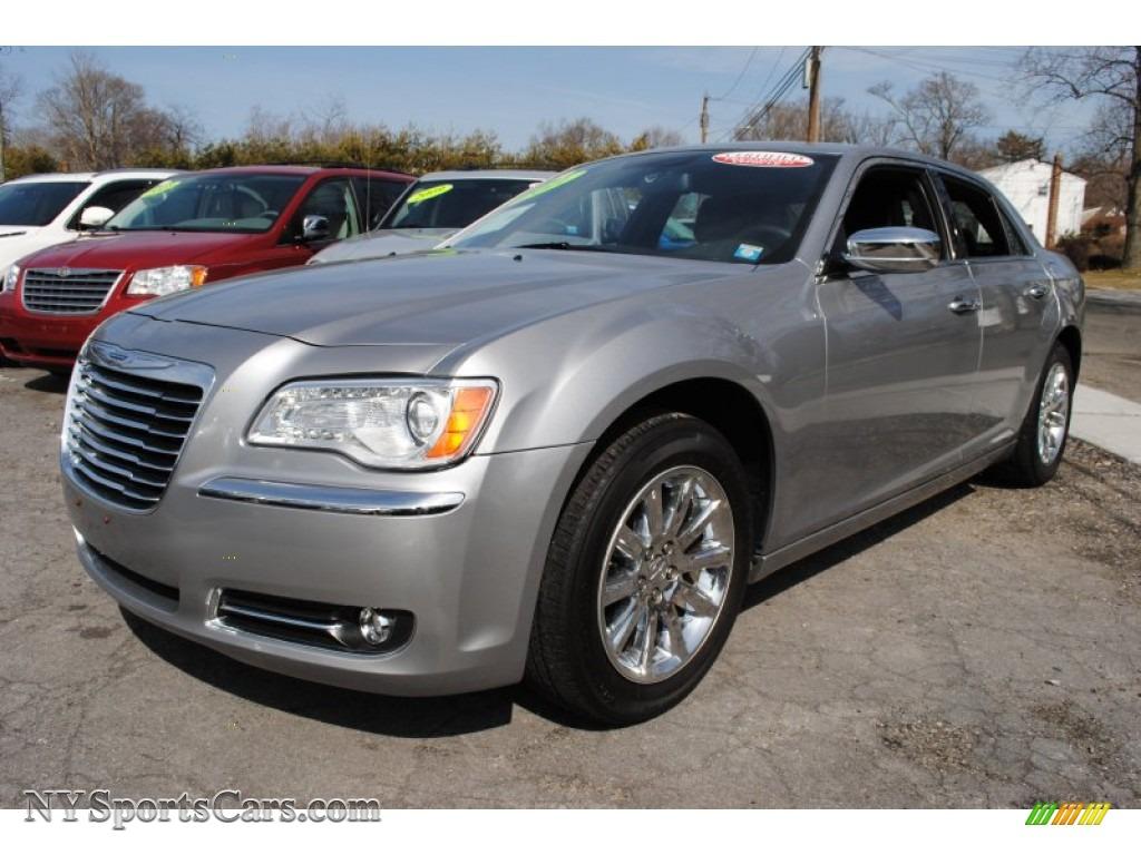 2011 Chrysler 300 Limited In Billet Silver Metallic Photo