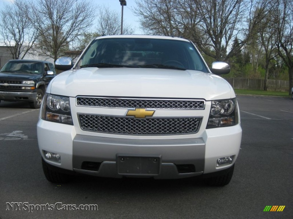2009 chevrolet avalanche z71 4x4 in summit white photo 8 211136 cars for. Black Bedroom Furniture Sets. Home Design Ideas