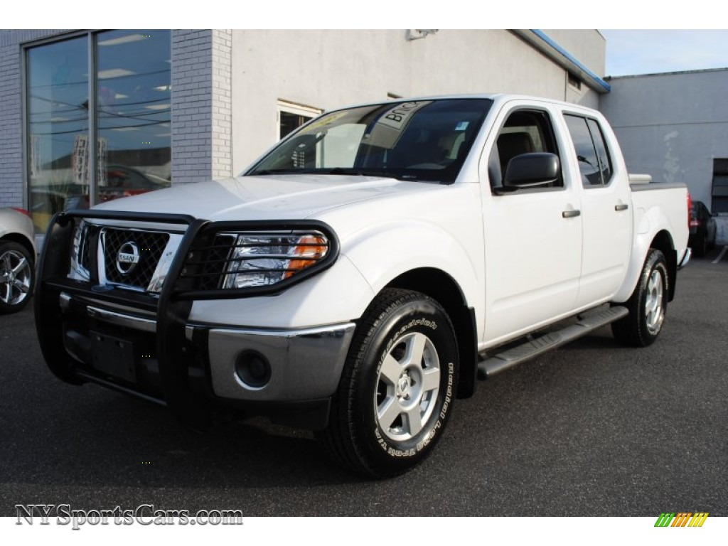 2008 nissan frontier se crew cab 4x4 in avalanche white. Black Bedroom Furniture Sets. Home Design Ideas
