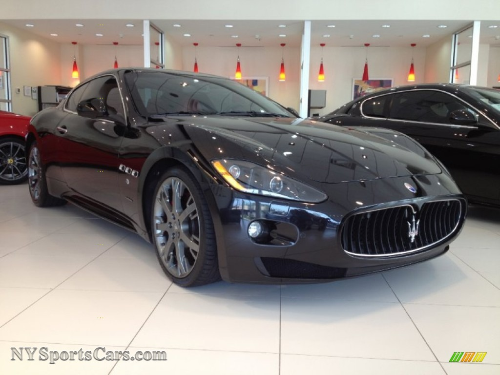 2009 maserati granturismo s in nero carbonio black. Black Bedroom Furniture Sets. Home Design Ideas