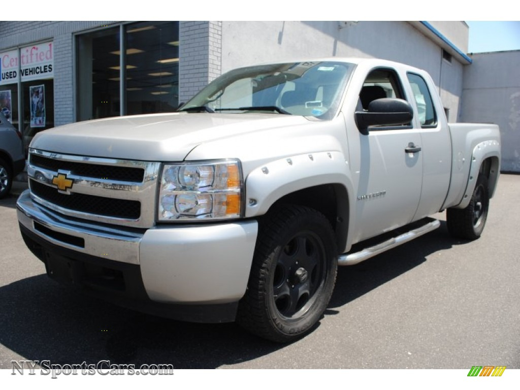 2010 chevrolet silverado 1500 ls extended cab 4x4 in sheer silver metallic 138993. Black Bedroom Furniture Sets. Home Design Ideas