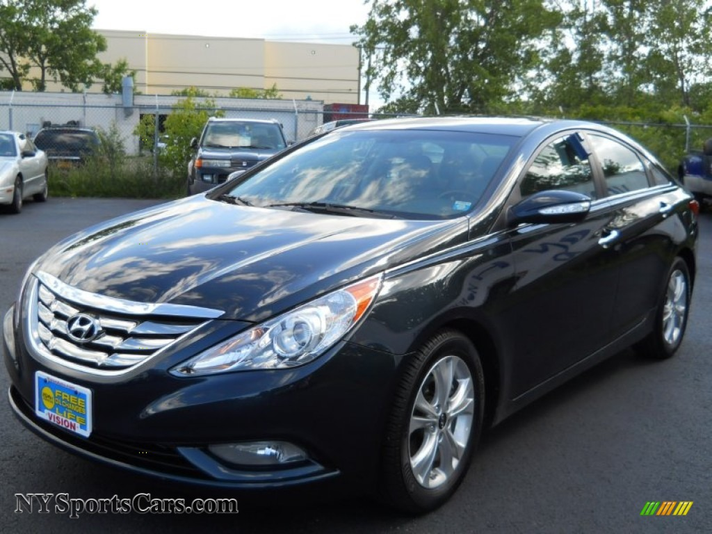 2011 Hyundai Sonata Limited In Pacific Blue Pearl 001684