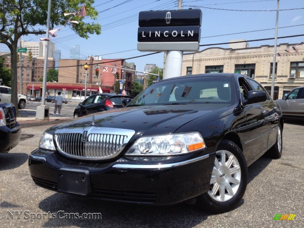 2011 Lincoln Town Car Signature Limited In Black 756135