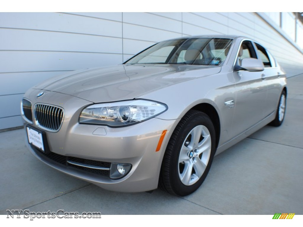 2012 BMW 5 Series 528i xDrive Sedan in Cashmere Silver ...