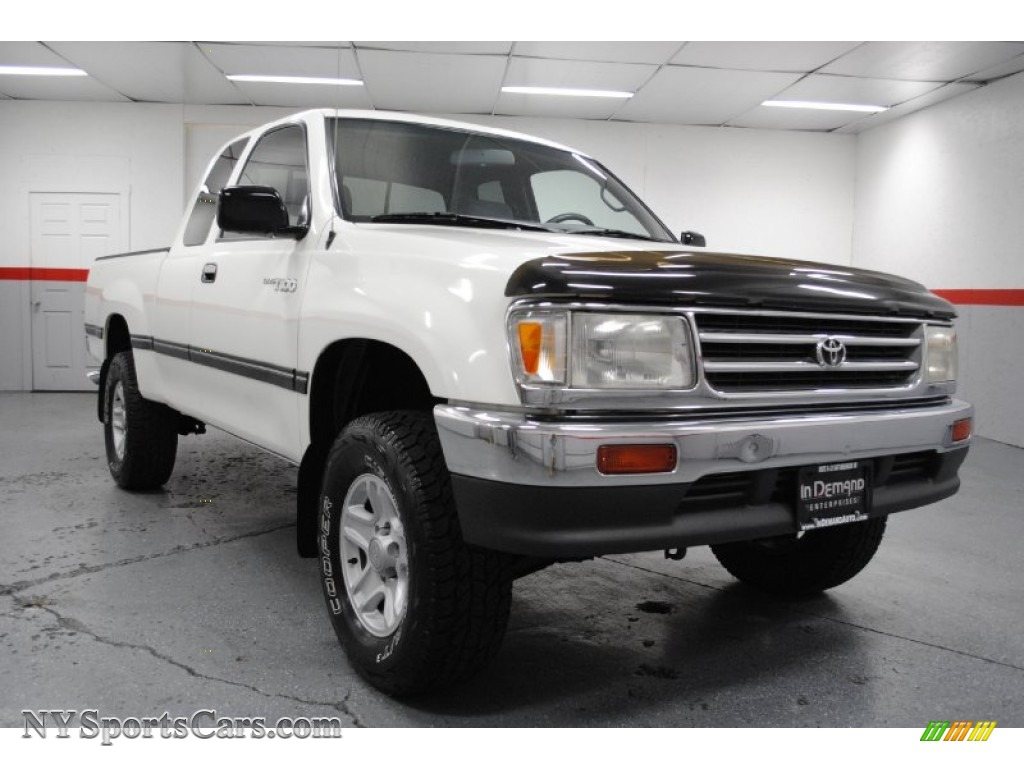 1998 toyota t100 truck dx extended cab 4x4 in warm white photo 2 053160. Black Bedroom Furniture Sets. Home Design Ideas