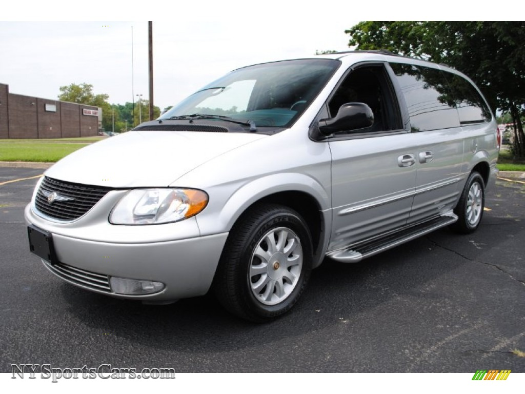 2002 chrysler town country lxi in bright silver metallic 788142 cars. Black Bedroom Furniture Sets. Home Design Ideas
