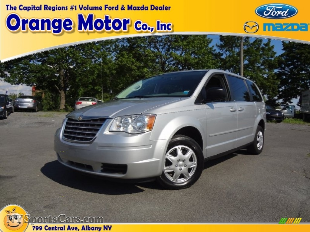 2010 chrysler town country lx in bright silver metallic for Orange motors albany new york
