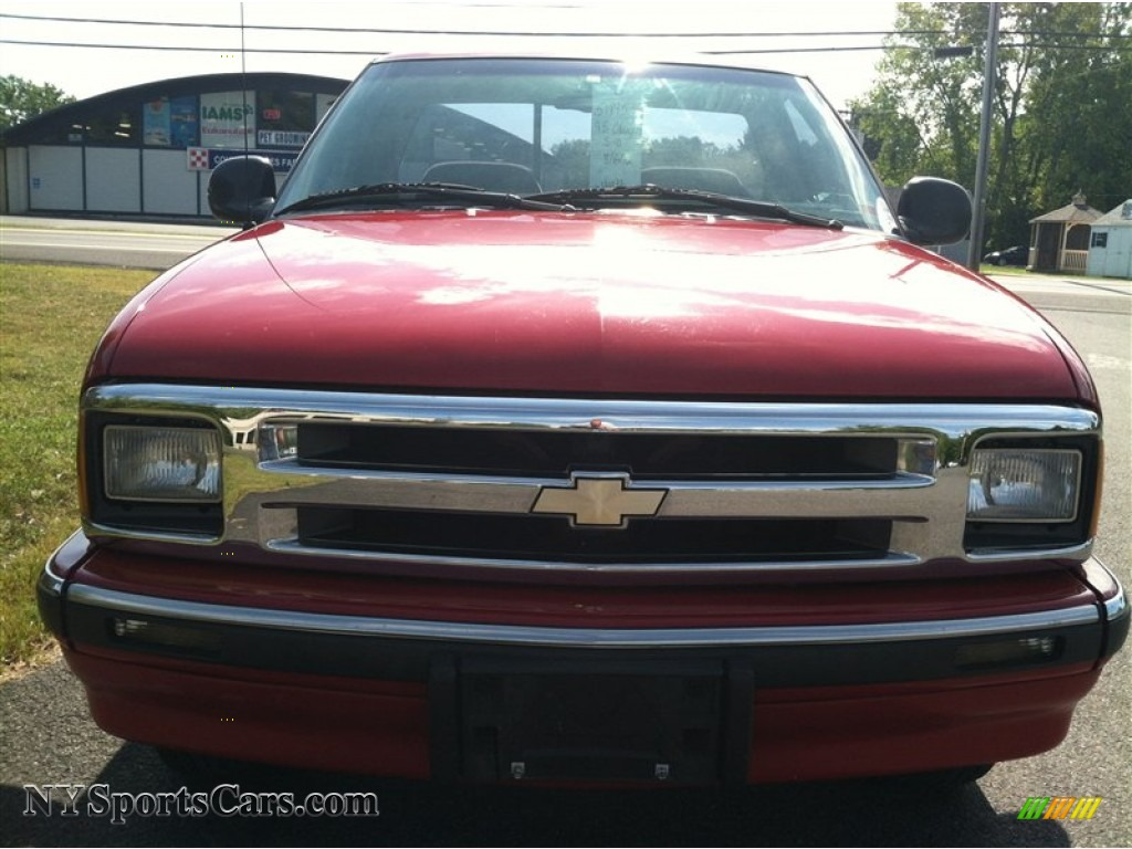 1995 Chevrolet S10 Ls Regular Cab In Victory Red Photo 3