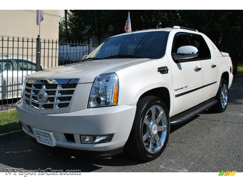 2011 cadillac escalade ext luxury awd in white diamond. Black Bedroom Furniture Sets. Home Design Ideas