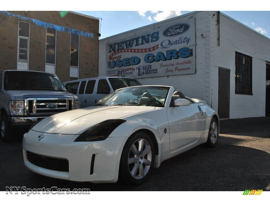 2004 nissan 350z touring roadster in pikes peak white pearl pikes peak white pearl frost nissan 350z touring roadster vanachro Images